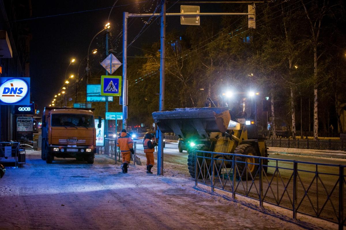Как сообщается на сайте муниципального портала города, с 22:00 до 6:00 идет уборка по маршрутам общественного транспорта