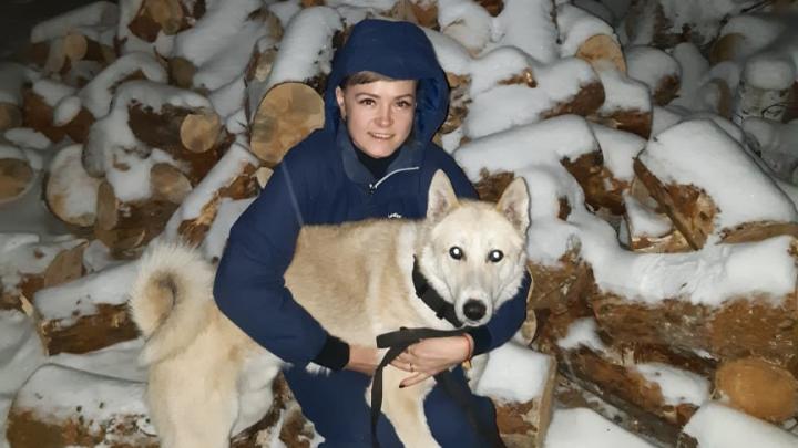 Кинологу Кольцовской таможни вернули собаку, за которую мошенники вымогали деньги