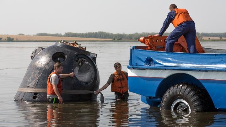 Помогла «Синяя птица»: на Южном Урале отработали спасение космонавтов, приземлившихся на воду