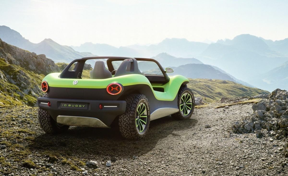 Volkswagen ID Buggy пока является лишь фантазией на тему электромобилей, но поскольку построен на платформе MEB, препятствий для серийного выпуска нет — был бы спрос