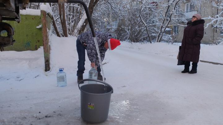«Ходим с вёдрами на колонку»: модный клубный дом на Уктусе сдали без воды
