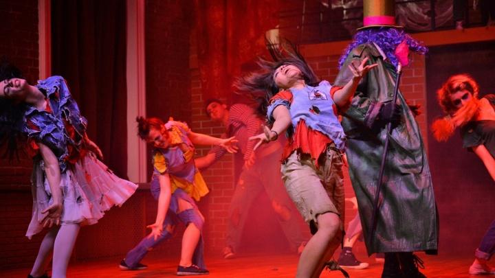 На Любинском проспекте открыли частный театр и показали первый спектакль