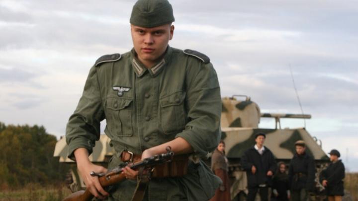 Танк раздавил машину полиции: новосибирцы сняли фантастический фильм про путешествия во времени
