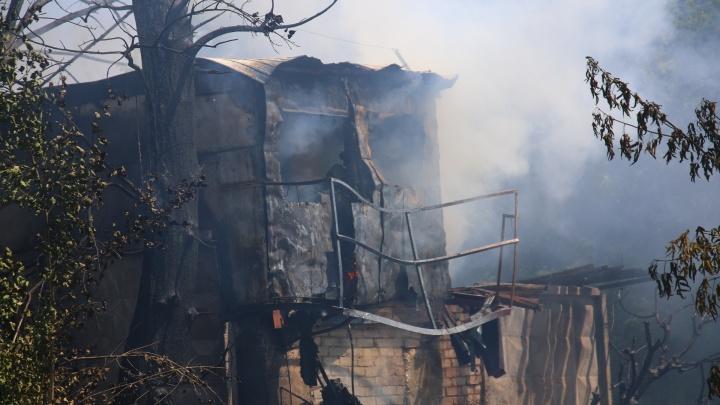 «Огромный столб дыма»: в Самаре горела будка охраны на Советской Армии