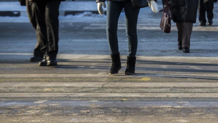 Переходившая дорогу сибирячка попала под «Газель» на пешеходном переходе