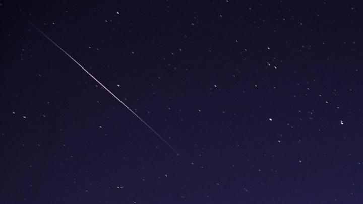 Пролетят и сгорят в атмосфере: пермяки увидят в небе два метеорных потока