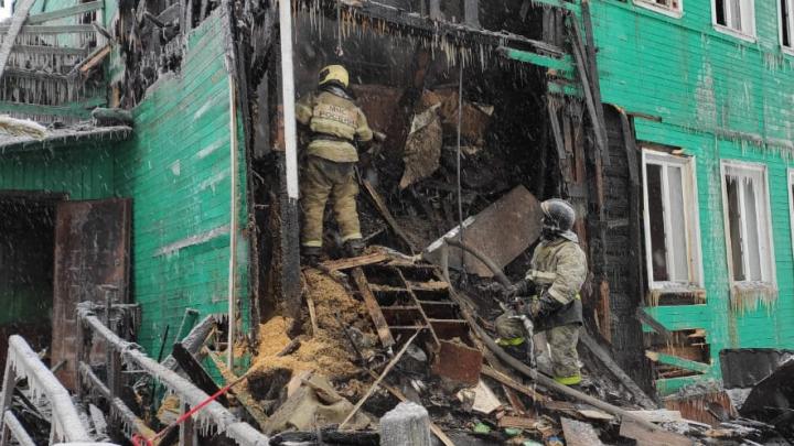 «Пусть Твой огонь сожжет всё, что Тебе мешает»: видео с пожара в доме, где собиралась религиозная группа