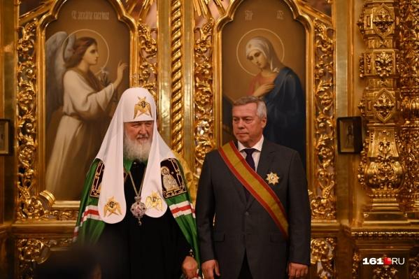 Патриарх Кирилл вручил ордена после торжественного освящения собора