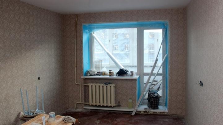 После взрыва: смотрим, как в Кордном ремонтируют пострадавшие квартиры