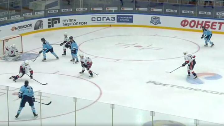 Хоккей: «Сибирь» проиграла первый матч в сезоне