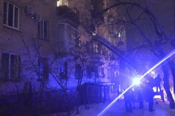 Вечерний пожар поднял на уши всех жильцов пятиэтажки на улице Чуйкова