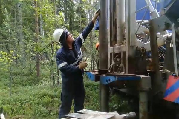 Активистка из Катунино Евгения Устюжанинова заметила, что на анализ геологи отбирают более крепкие и плотные фракции