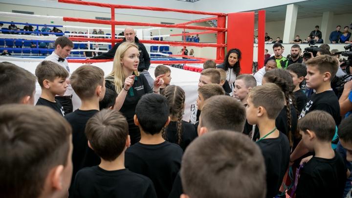 «Бокс мне нравится больше, чем танцы!»: 7 девушек и парней, желающих в команду к Рою Джонсу
