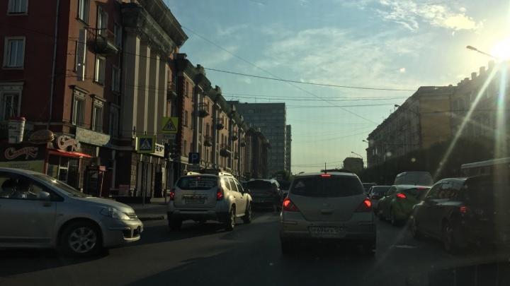 Центр встал в серьезную пробку из-за неработающих светофоров