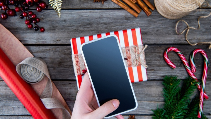"""Билайн раздает подарки: от наушников до телевизора 65"""" при покупке смартфонов Samsung Galaxy"""