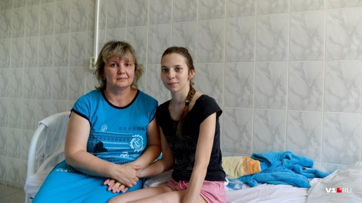 «Легче не становится»: мама волгоградки, умершей от неизвестной болезни, ждет экспертизы врачей