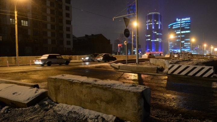 На Макаровском мосту установили камеры, чтобы водители не гоняли по ночам