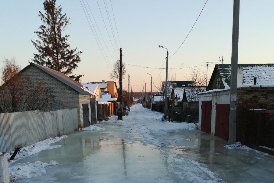 В воде стоят две улицы посёлка Каштак