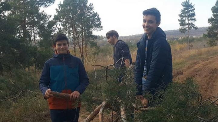 «Мы потихоньку побеждаем»: волгоградцы вывезли из Соснового бора двадцать мешков с мусором