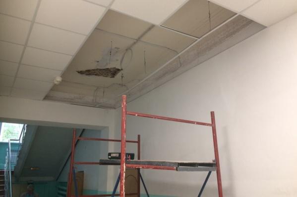 В этом году в гимназии № 88 был выполнен ремонт зоны рекреации