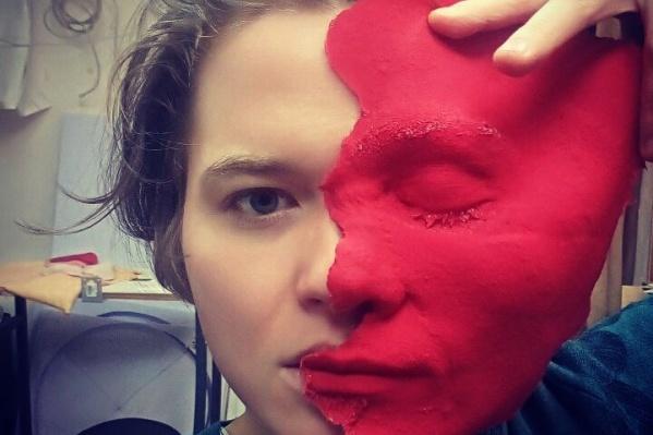 Новосибирский скульптор известна горожанам как автор бюстов Ленина, стилизованных под персонажей массовой культуры