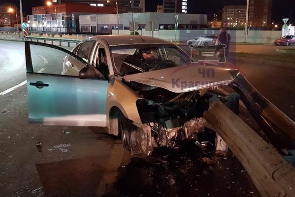 Водитель также не был пристегнут ремнем безопасности