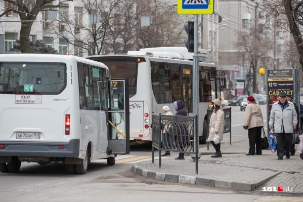 Линейные диспетчеры дежурят на всех крупных остановках Ростова