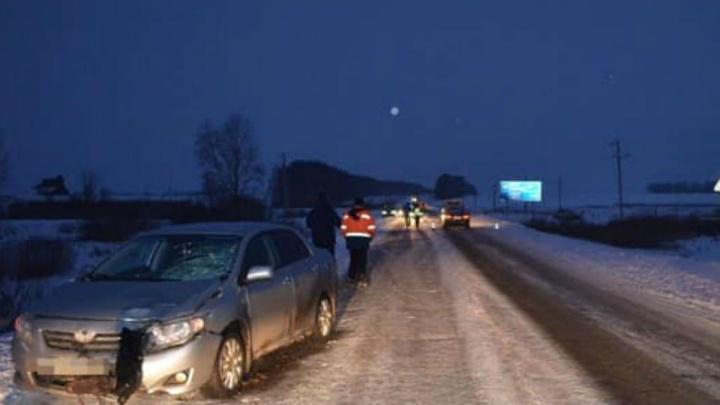 Неожиданно вышла на дорогу: в Башкирии под колесами автомобиля погибла женщина