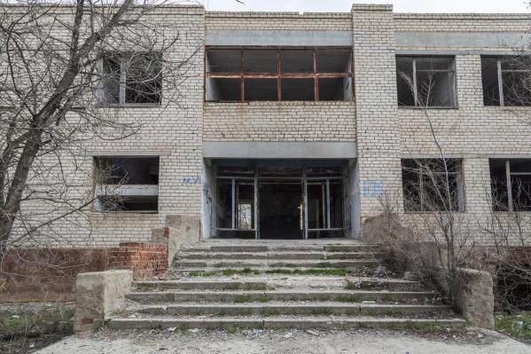 Тело подростка обнаружили в здании бывшей школы