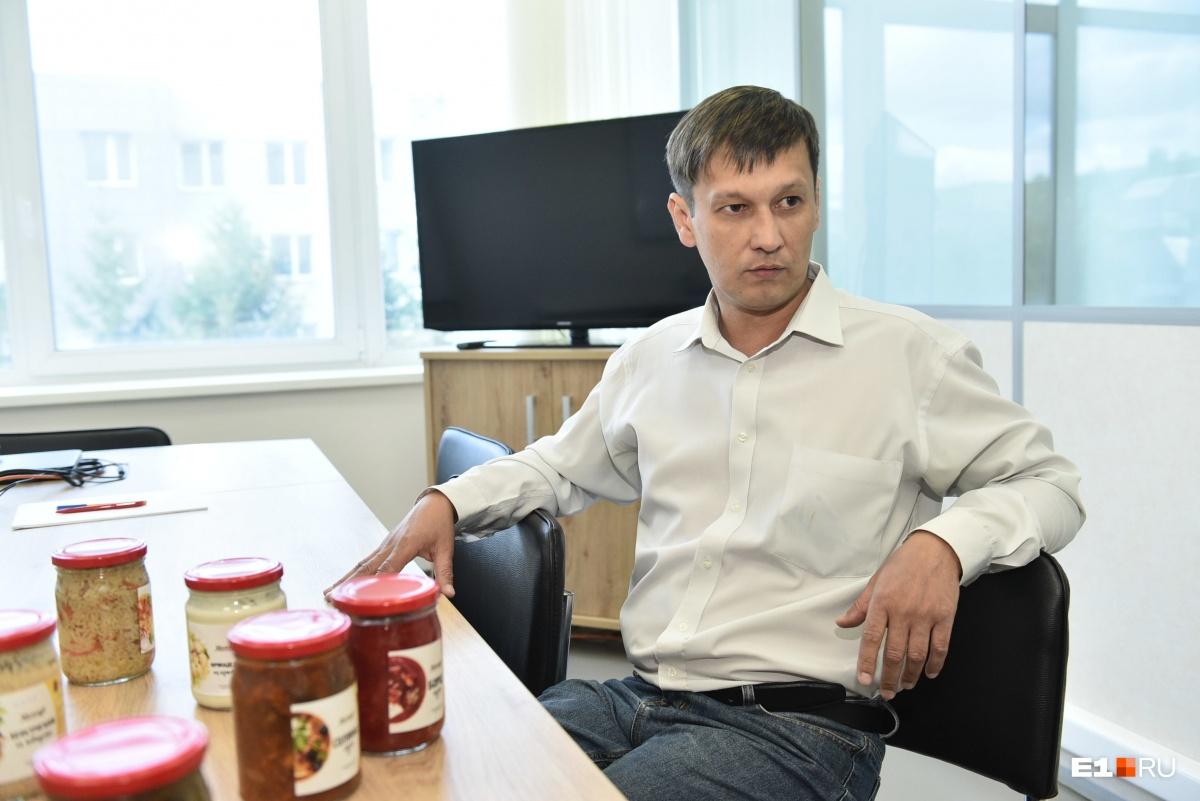 Александр полгода отрабатывал технологию закатывания плова в банки
