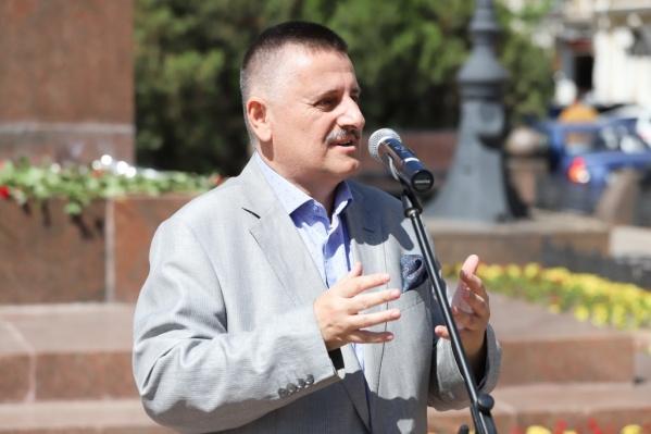 Далаксакуашвили уже приходилось работать в Министерстве строительства Ростовской области