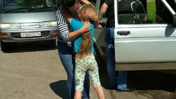 В Ярославской области восьмилетняя девочка пошла ночевать к незнакомцу, поругавшись с родителями