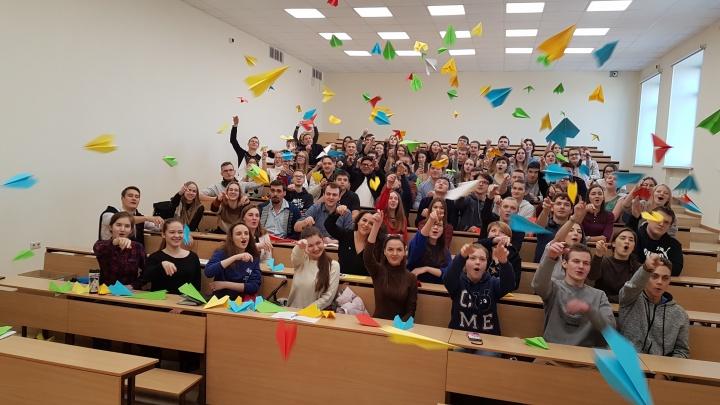 Цветные самолётики — за академика: самарские студенты запустили «Королёв-челлендж»