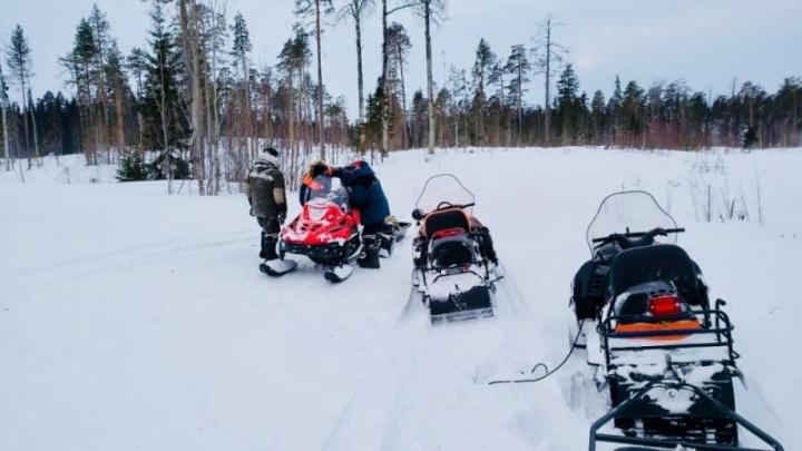 Застрявших вчера на Белом море рыбаков вытащили из снежного плена