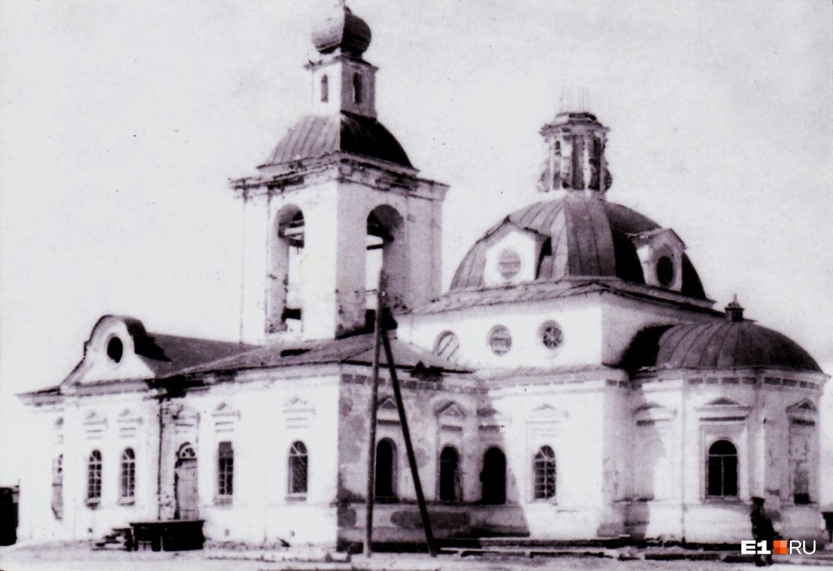 Так церковь выглядела в свои лучшие годы