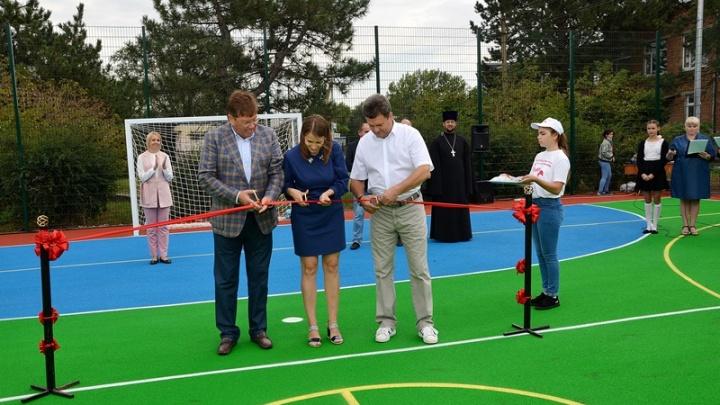 В хуторе Ленина Аксайского района открыли новую спортивную площадку