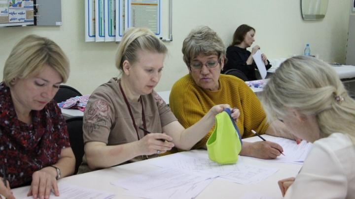 При проверке детской одежды в Красноярске эксперты нашли натирающие носки и токсичные трусы
