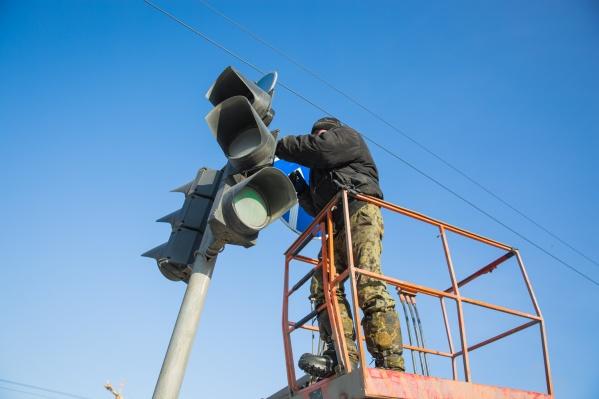 На проспекте Лаврентьева, где регулярно сбивают пешеходов, поставят светофор