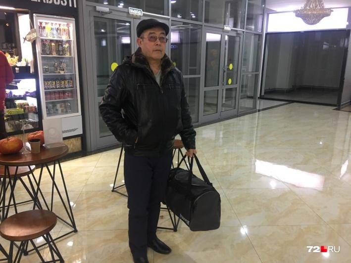 Перед встречей с сыном Салим Шамсутдинов купил ему теплые вещи и обувь