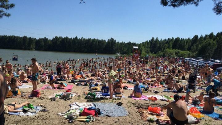 Адские пробки, толпы людей, всего два пляжа и ноль сервиса: почему Тюмень оказалась не готова к жаре