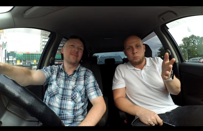 Денис Новичков и Антон Соколов регулярно проверяют муниципальные парковки и выкладывают видеоролики