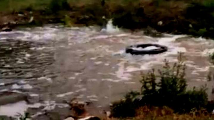 В Ростове из-за прорыва трубы образовалось коммунальное озеро
