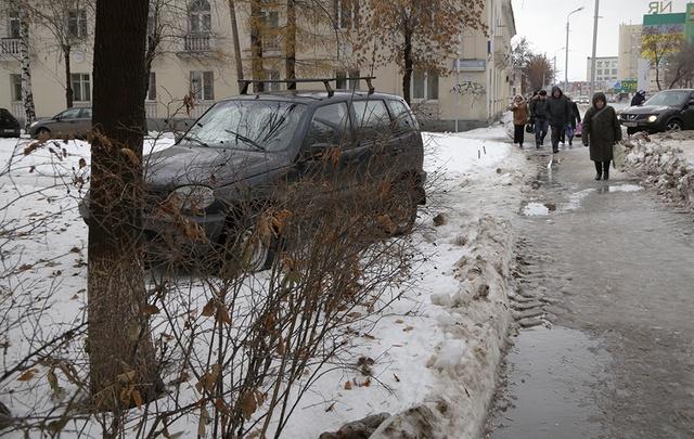 «Я паркуюсь как...»: новая подборка парковочных хамов Уфы