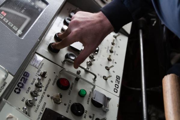 В 2015 году машинист доверил посторонней девушке управление поездом