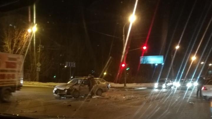 «Антифриз льётся, что-то задымилось»: на Комсомольской столкнулись три авто