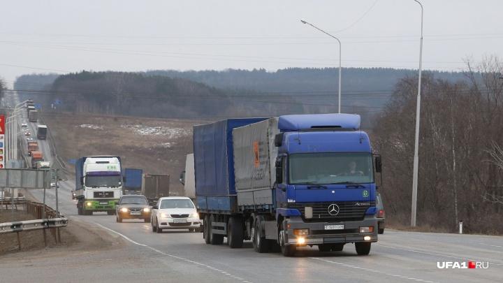 На четырех трассах в Башкирии ввели ограничение для пассажирских маршрутов и такси