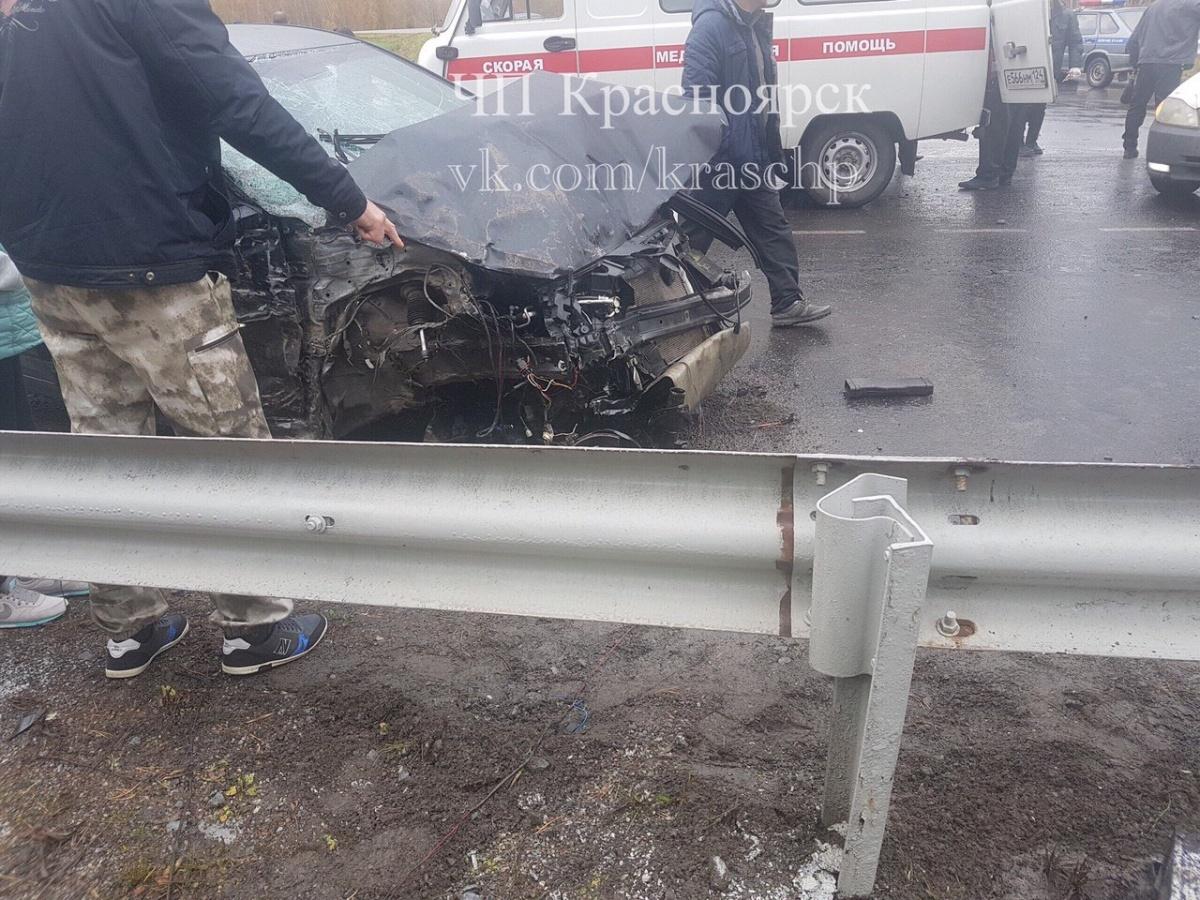 Аварии с автобусом предшествовала авария с легковым автомобилем