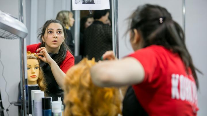 «Буду звездой»: как в Красноярске выбирали лучшего студента-парикмахера