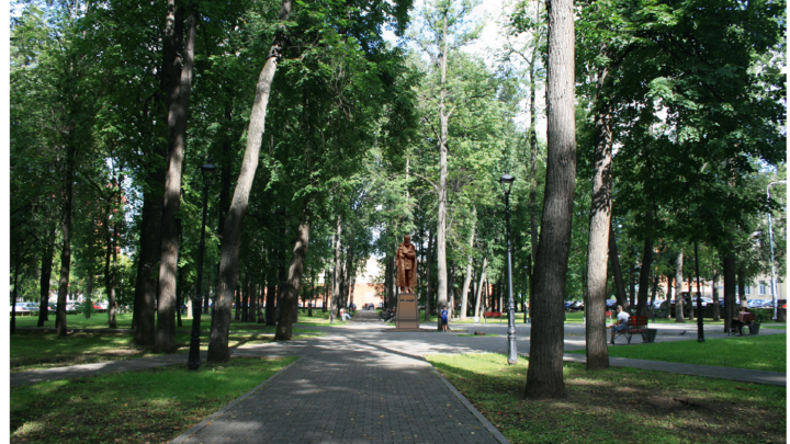 «Писатель стоит, глубоко задумавшись»: в Перми согласовали установку памятника Достоевскому