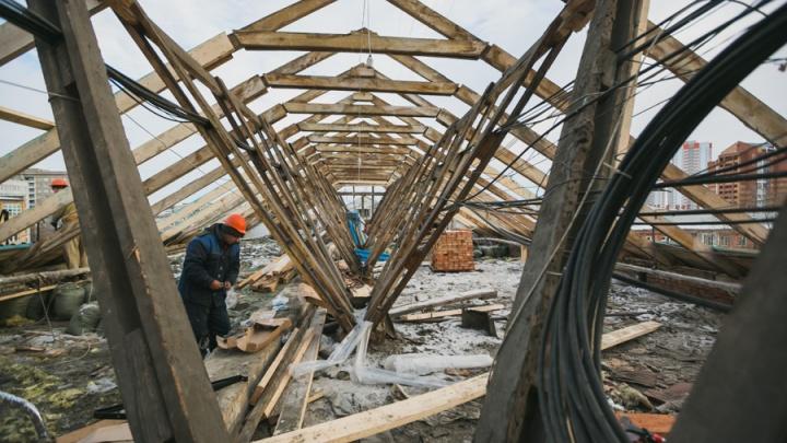 Фонд капремонта согласился выплатить 70 тысяч за затопленную при ремонте кровли квартиру